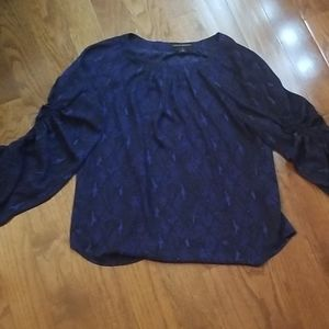 Stylish drapey blue and black top w/cool sleeve